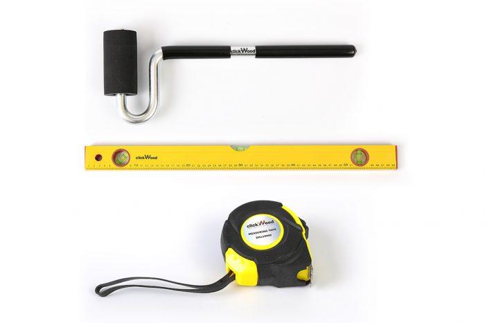 קיט שלושה כלים: גלגלת הידוק לעץ, פלס, ומטר